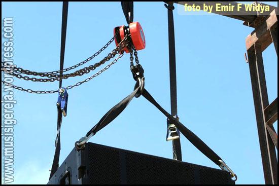 Round sling sepanjang 1 meter untuk mengangkat bagian depan